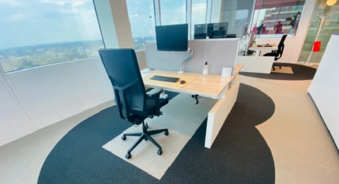 Cushman & Wakefield - Six Feet Office