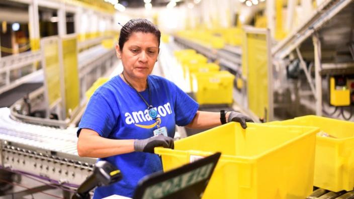 Amazon contratará a 33.000 personas