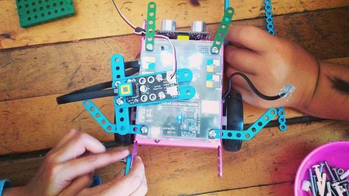 Emprendimiento acerca la robótica educativa a temprana edad